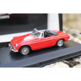 MGB cabriolet 1962-69 red Minichamps