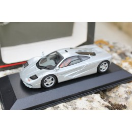 Mc Laren F1 roadcar silver Minichamps